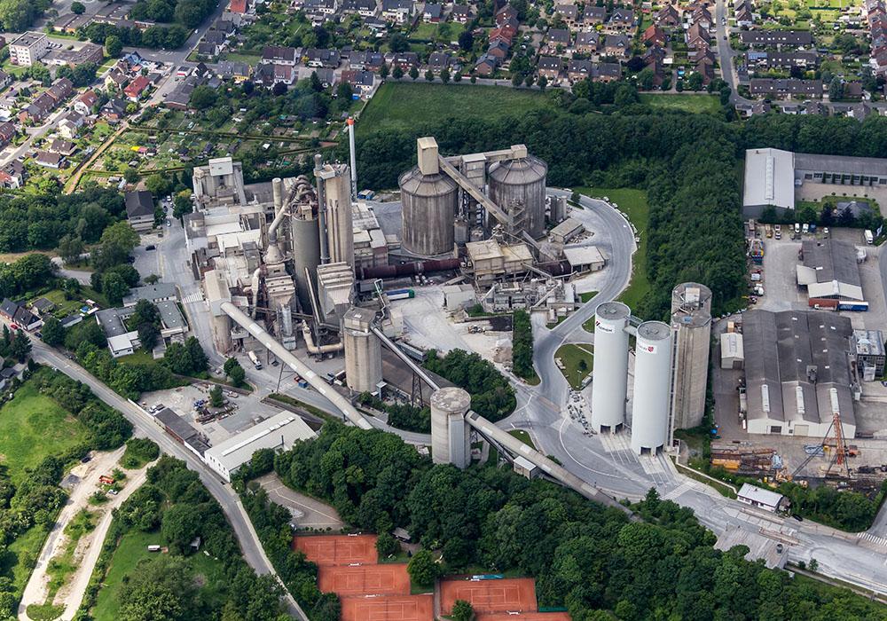 Zementwerk Kollenbach in Beckum von oben.