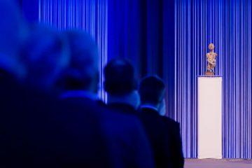 Preisverleihung beim Innovationspreis NRW: Blick auf eine Skulptur