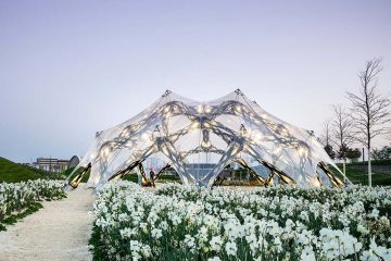 BUGA-Faserpavillon im Morgengrauen